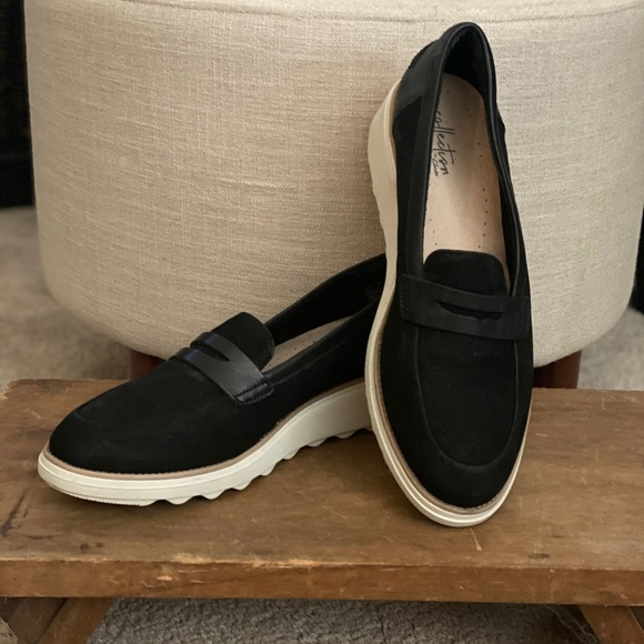 Clark's loafers 9.5